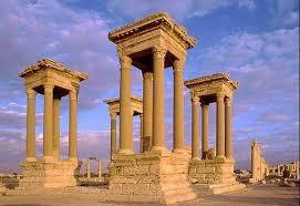 Palmira troneggia davanti agli iconoclasti
